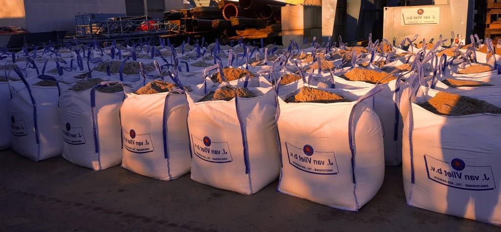 BIgbags verkrijgbaar met alle soorten zand, ophoogzand, zeezand, drainzand, M3C zand, M3D zand, Sportveldenzand, Speelzand, etc